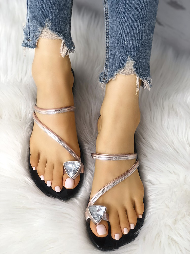 boutiquefeel / Concise Glittering Toe Ring Flat Sandals