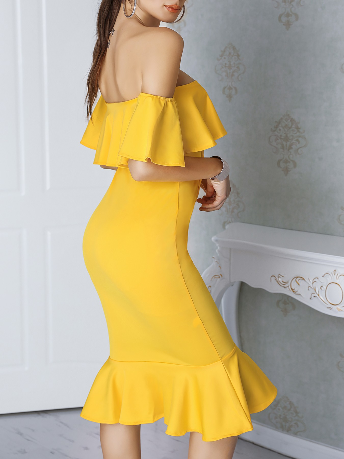 boutiquefeel / Sexy Flared Off Shoulder Bodycon Dress