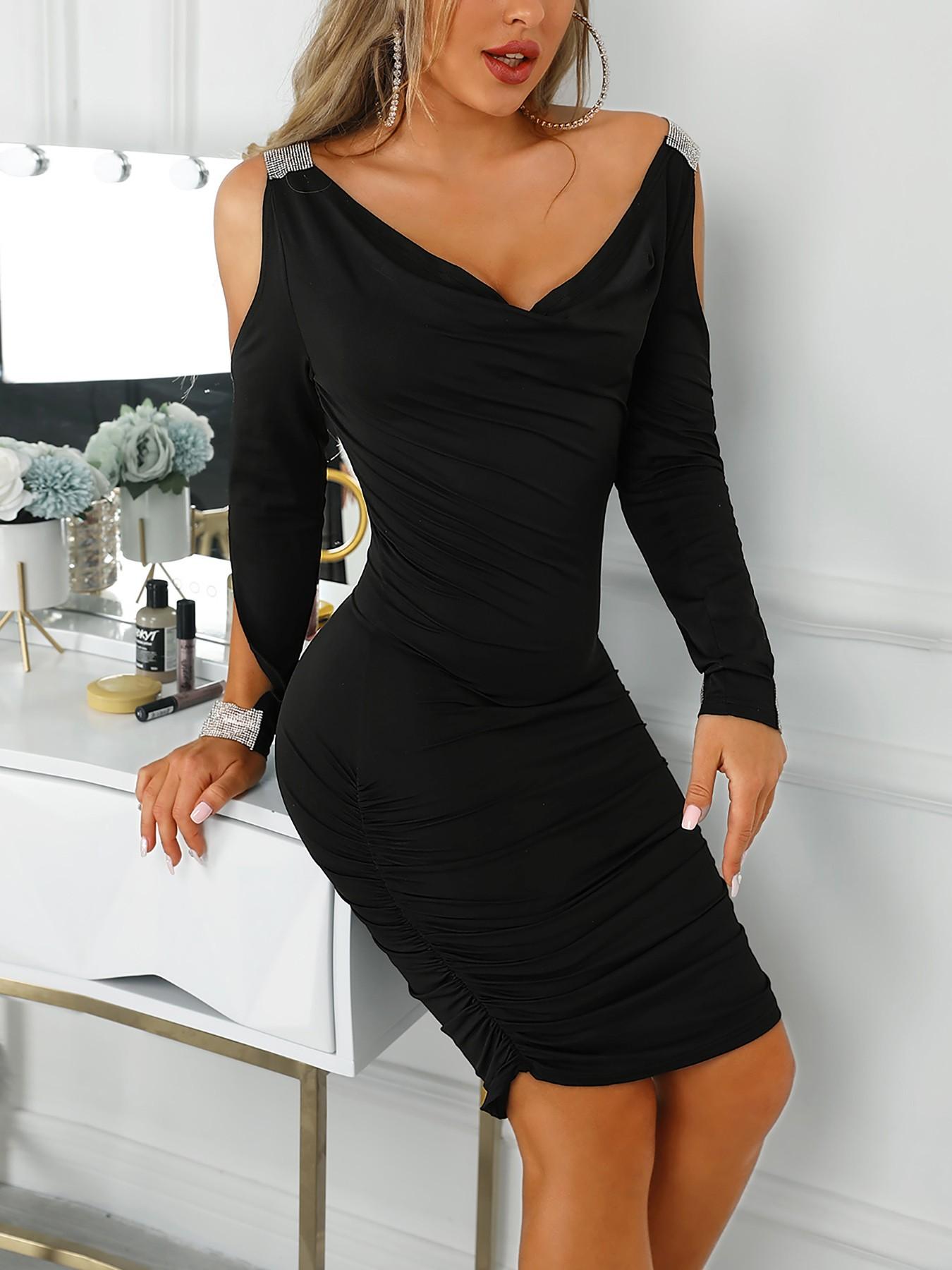 boutiquefeel / Gem-Studded Cold Shoulder Ruched Bodycon Dress