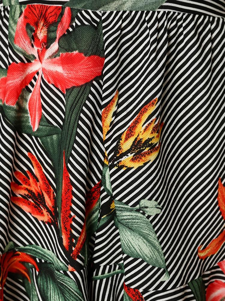 boutiquefeel / Deep V Ruffles Backless Floral Print Romper