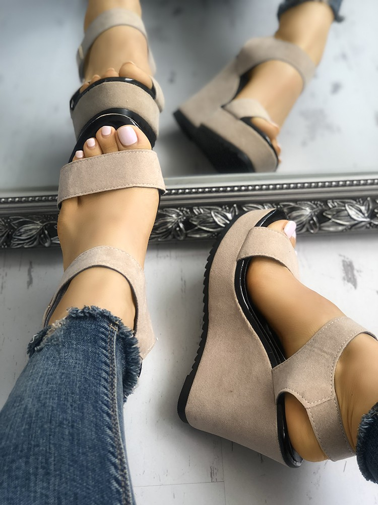 boutiquefeel / Ladies Button Platform Wedge Sandals