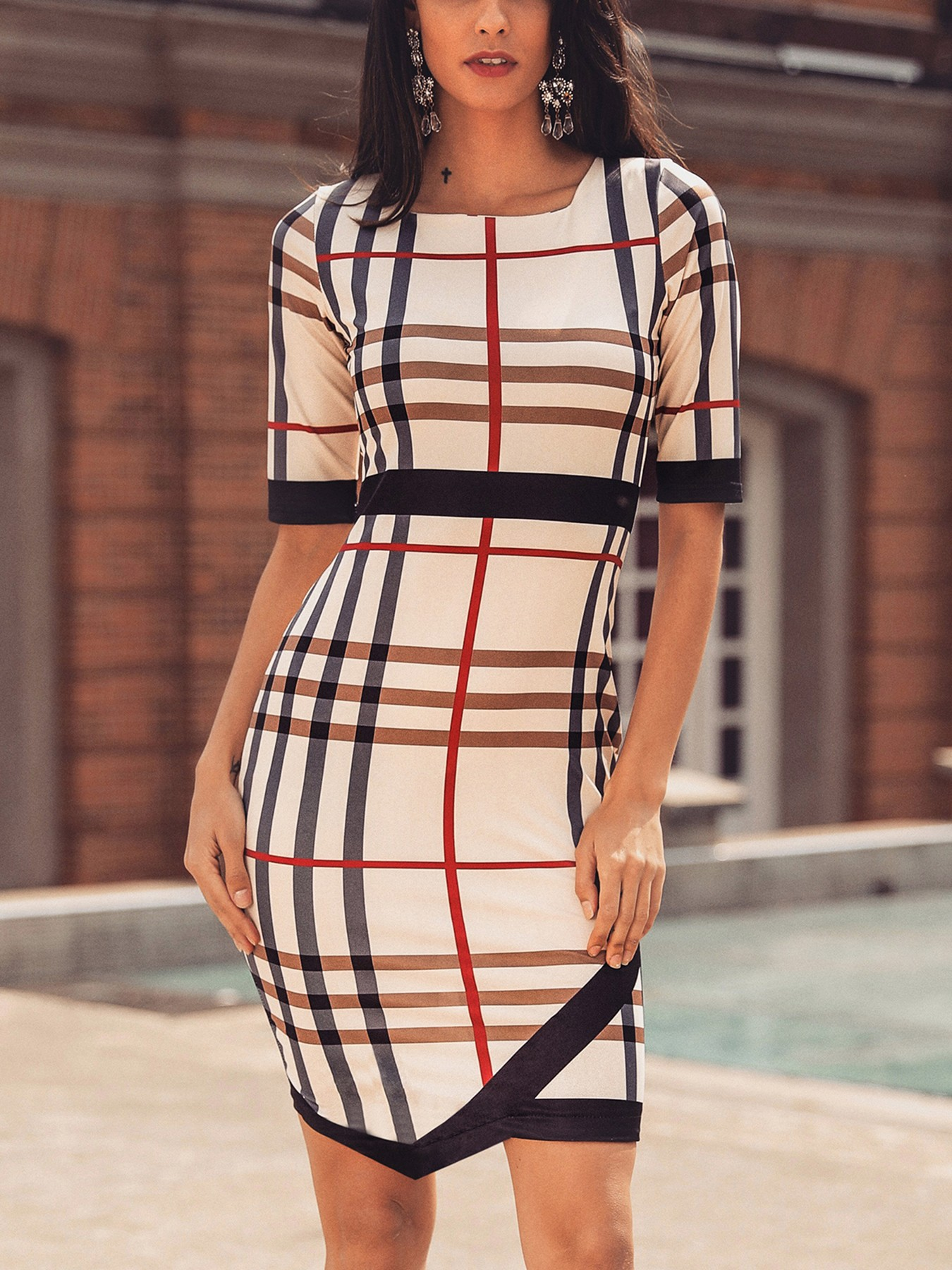 boutiquefeel / Plaid Print Contrast Binding Irregular Hem Dress