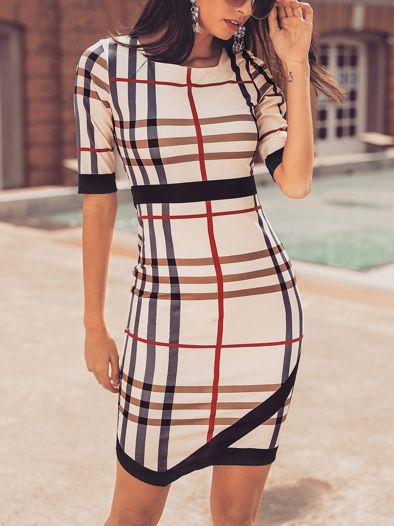 boutiquefeel / Plaid Print Contrast Binding Irregular Hem Dress