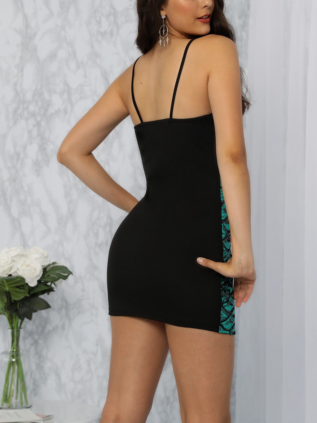 boutiquefeel / Mermaid Sequins Deep V Bodycon Dress